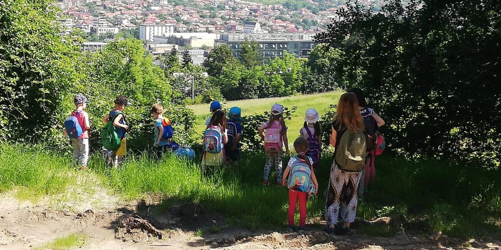 Copii în excursie