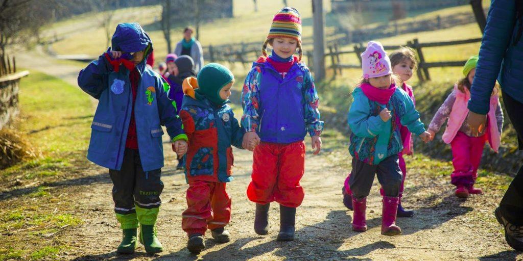 Copii de gradinita in natura